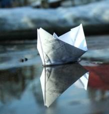 perahu-kertas-s